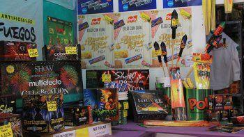proteccionistas controlaran que no vendan petardos en las fiestas