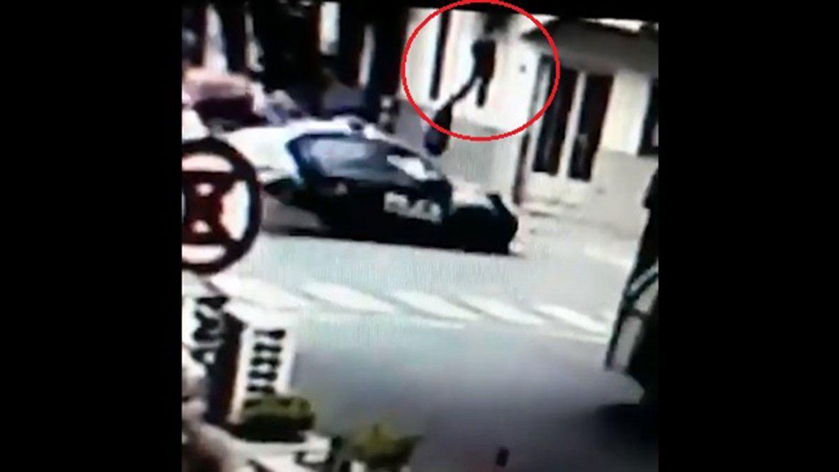 Un patrullero atropelló y mató a una adolescente - Lmneuquen.com