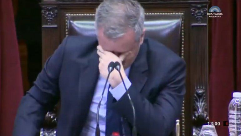 Aplausos, lágrimas y emoción de Monzó en la última sesión de Diputados
