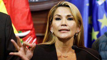 el gobierno le respondio duro a la presidenta de bolivia