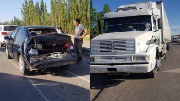 un camion se quedo sin frenos y provoco un choque triple