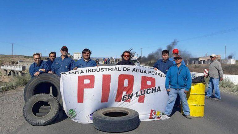 Los trabajadores continúan sin respuestas y cortan Ruta 22