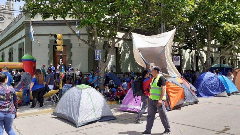 Paro, acampe y protestas complican el centro y el oeste