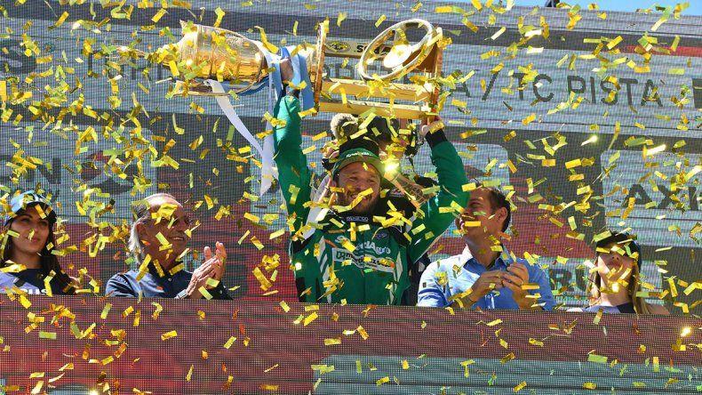 Histórico: Canapino se coronó otra vez campeón del TC en Centenario