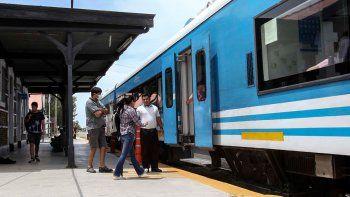 con las nuevas paradas, el tren duplicara sus pasajeros