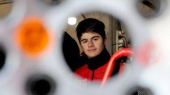 el argentino de karting disfruto de los chicos de la formula 2.0 renault