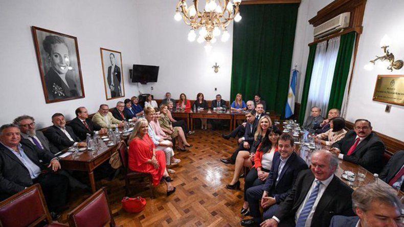 Cristina Kirchner se reunió con senadores del Frente de Todos y les pidió mantener la unidad