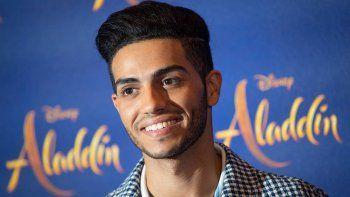 el protagonista de aladdin, en desgracia: no tiene trabajo