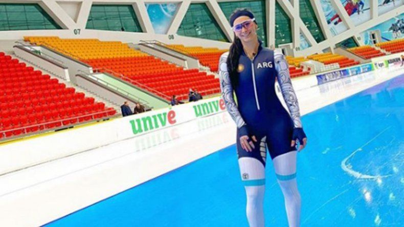 Victoria se luce en patín sobre hielo en Kazajistán