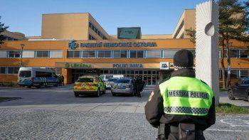 entro a los tiros al hospital y mato a seis personas