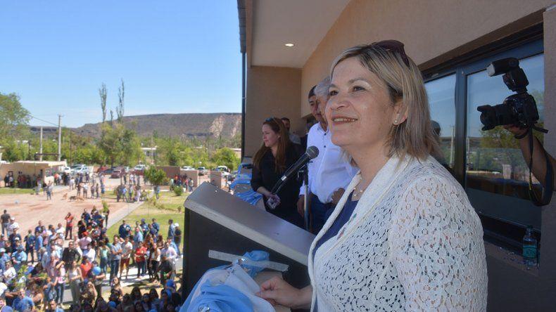 Norma Sepúlveda asumió con un fuerte respaldo petrolero