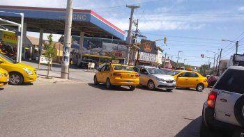 la muni pide a taxistas que no salgan a cazar choferes de yupi