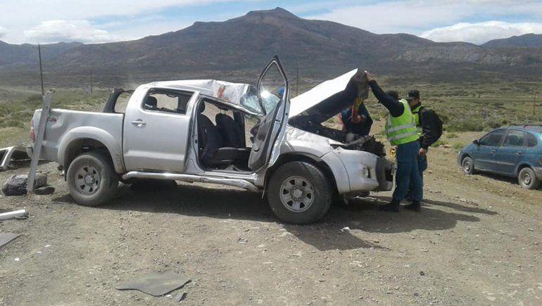 Dos turistas españoles murieron al volcar con la camioneta cerca de El Huecú