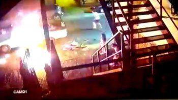 una mujer prendio fuego a su ex en una camioneta