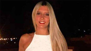 parana: buscan a una joven que cayo a un arroyo con su auto