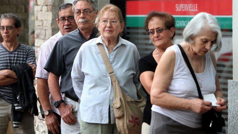 Cuándo y dónde cobrarán jubilados, pensionados y beneficiarios del bono