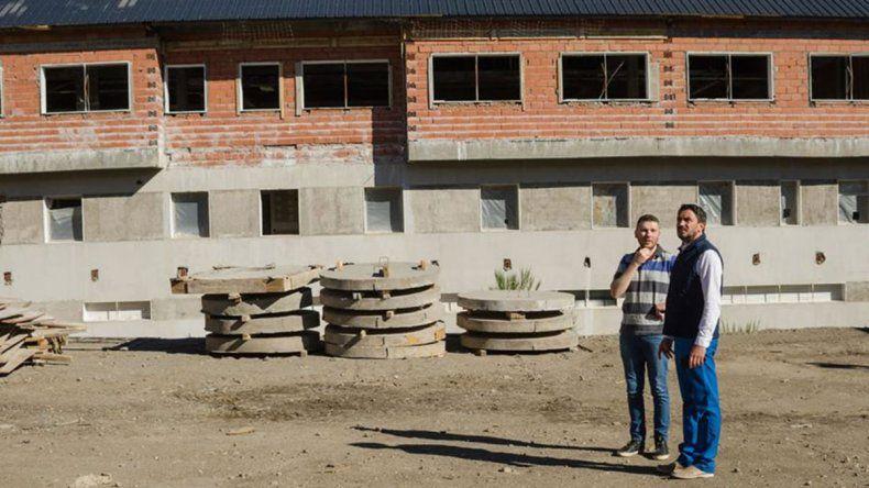 Saloniti supervisó el avance de obras del nuevo hospital de San Martín