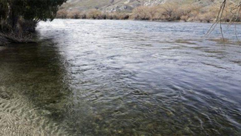 Tragedia: cayó de su embarcación, se enredó con ramas y murió ahogado