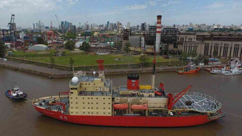 Antártida: el Irízar va camino a abastecer a las bases argentinas