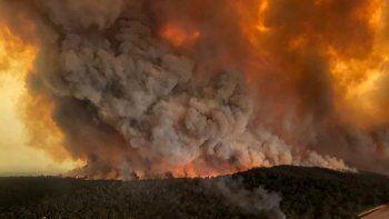 ¿por que llega al pais el humo de los incendios en australia ?