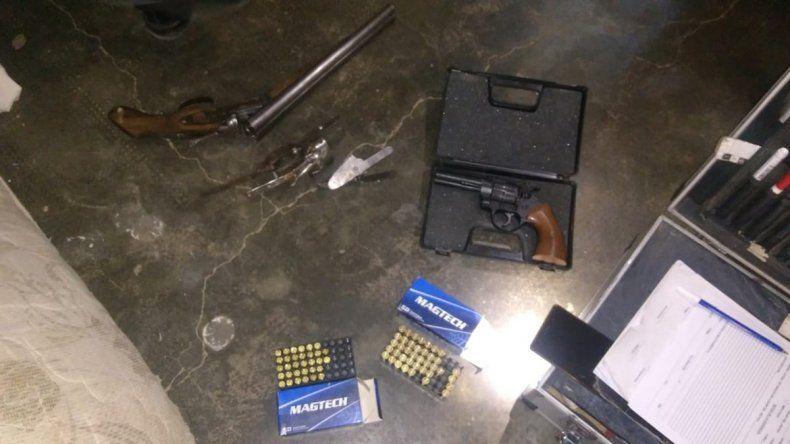 Secuestran armas y municiones tras un allanamiento en una casa de Cutral Co