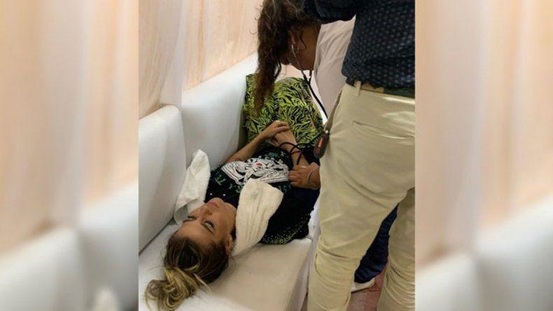 Susto en pleno show: Jimena se descompensó en el escenario y cayó desplomada