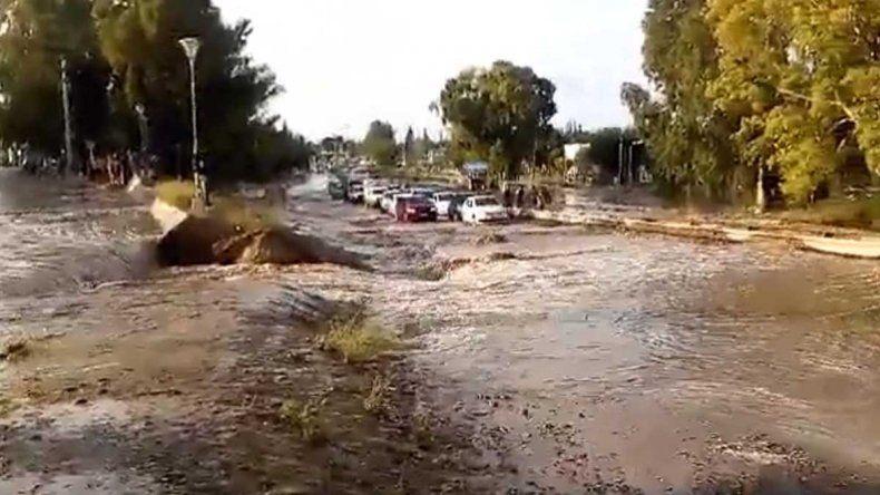 La lluvia también complicó a Centenario y Plottier
