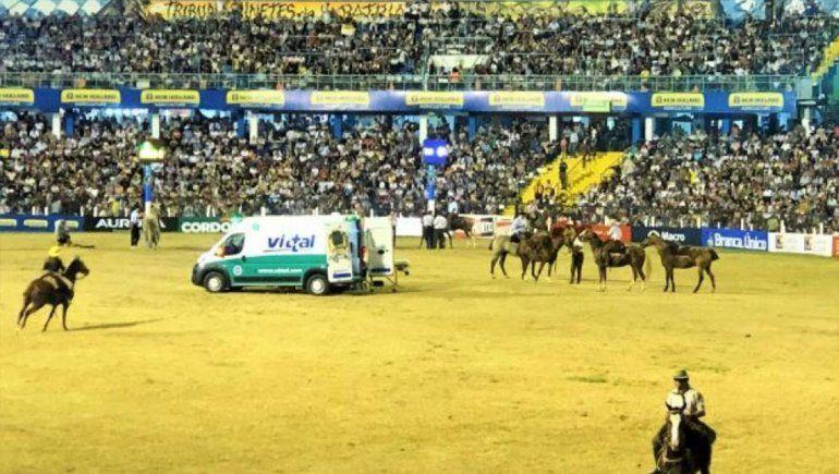 De luto: Murió un jinete aplastado por un caballo en el  Festival de Doma y Folklore de Jesús María