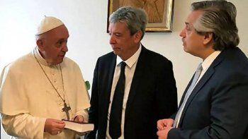 el vaticano confirmo que el papa recibira a alberto