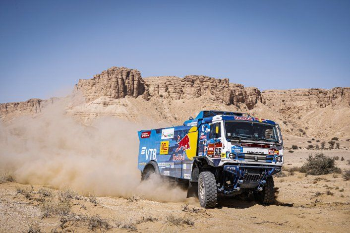 Los argentinos llegaron al final de la Etapa 10 del Dakar 2020