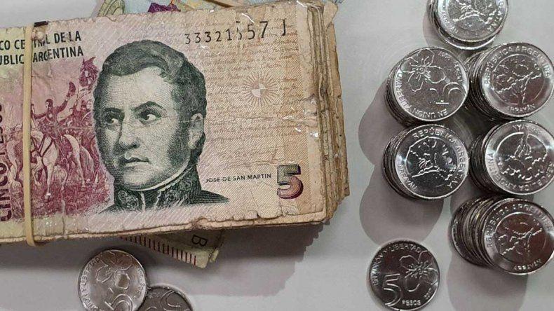 Para cuidar la relación con los clientes, comercios pide que se mantengan los billetes de 5 pesos