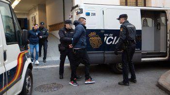 polemica por violacion en manada a tres turistas en espana