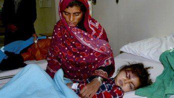 una nena paso 18 horas enterrada y sobrevivio