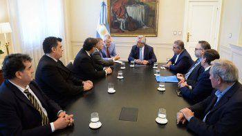 el presidente alberto fernandez recibio a los gobernadores de catamarca y san juan
