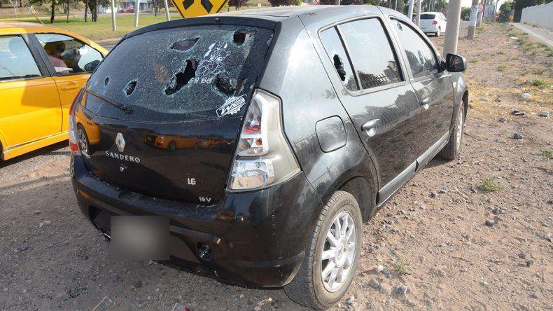 Mañana salvaje: quiso defender a su hija de los golpes de una patota, lo apuñalaron y le destrozaron el auto