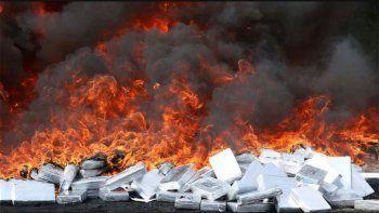 quemaron 3 toneladas de doga y un pueblo termino drogado