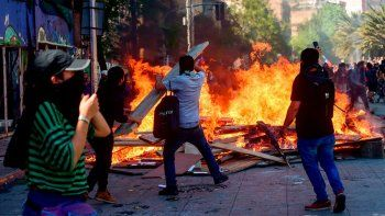 chile: nuevos incidentes a 3 meses del estallido social