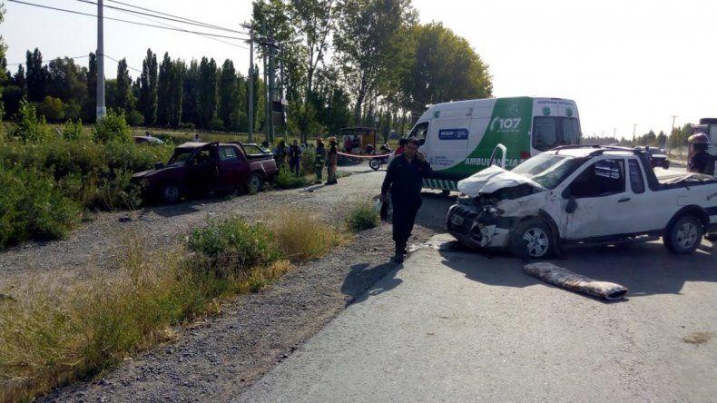 Un muerto por el choque entre dos camionetas en la Ruta 22