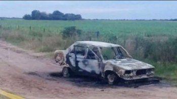 murio calcinada dentro de un auto: detuvieron a la pareja