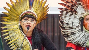 denuncian riesgo de genocidio de comunidades originarias en brasil