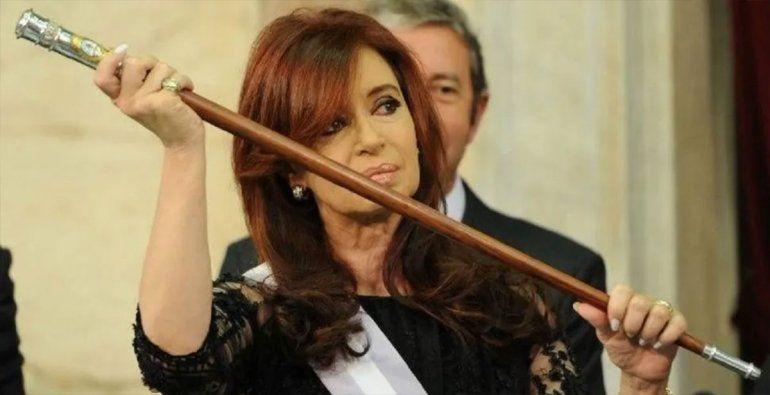 Después de cuatro años y un mes, Cristina vuelve a ser presidenta y hay memes