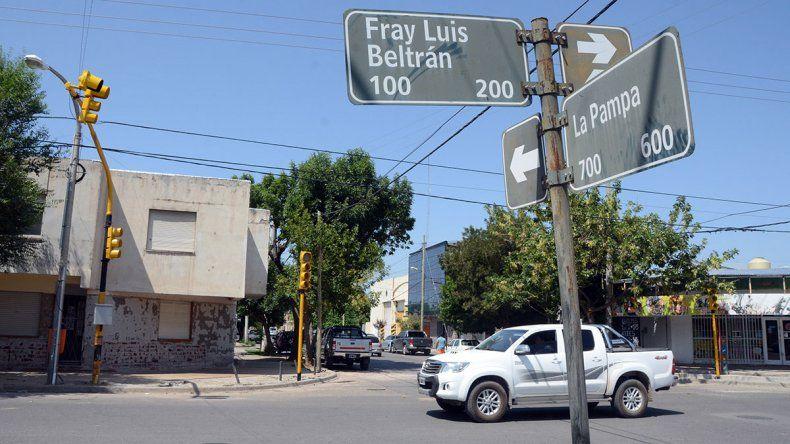 A pedido de los vecinos, transitada esquina del Bajo tendrá un nuevo semáforo