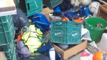ladrones destrozaron y saquearon el club de futbol don bosco de zapala