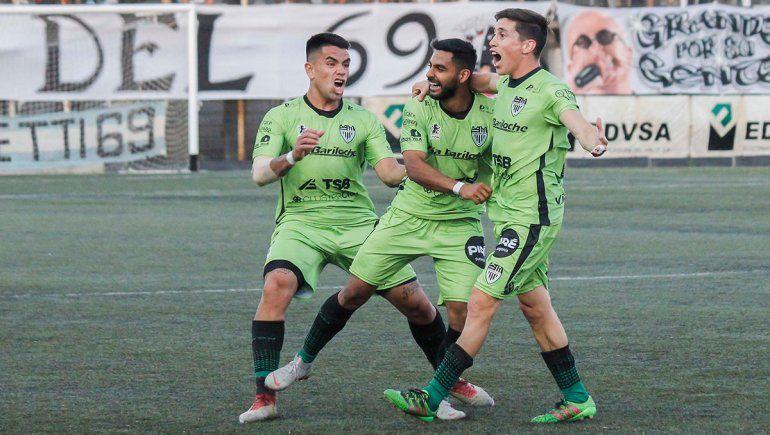 El neuquino Elvis Hernández, cerca del fútbol chileno
