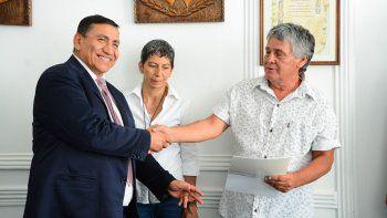 rioseco firmo un aumento del 45% para los municipales