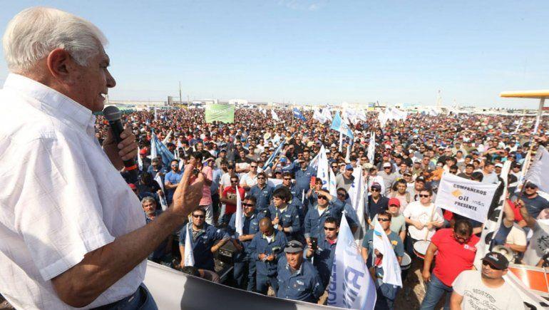 Ante unos 10 mil petroleros, Pereyra pidió por la paz social y blindar Vaca Muerta