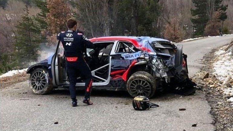 Espectacular accidente en el Rally Mundial a 185 km/h