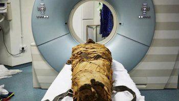cientificos britanicos hicieron hablar a una momia de egipto