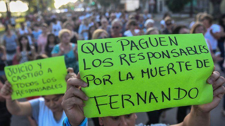 Vecinos de Zárate marcharon para pedir justicia por el crimen de Fernando