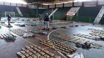 prefectura secuestro casi dos toneladas de marihuana